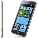 Samsung Beats Nokia As The First Manufacturer to Announce a Windows Phone 8 Handset